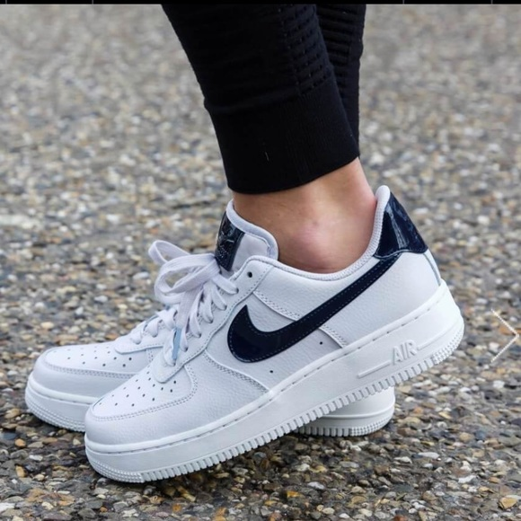 official photos 4fe1a 23a64 NWT Nike Air Force 1 07 Vast Grey WMNS